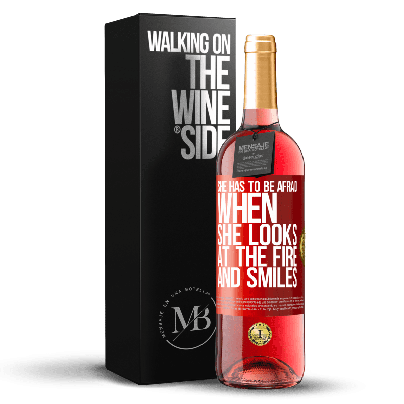 24,95 € Free Shipping | Rosé Wine ROSÉ Edition She has to be afraid when she looks at the fire and smiles Red Label. Customizable label Young wine Harvest 2020 Tempranillo