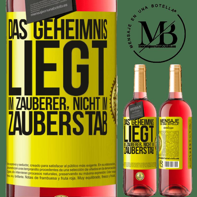 24,95 € Kostenloser Versand | Roséwein ROSÉ Ausgabe Das Geheimnis liegt im Zauberer, nicht im Zauberstab Gelbes Etikett. Anpassbares Etikett Junger Wein Ernte 2020 Tempranillo