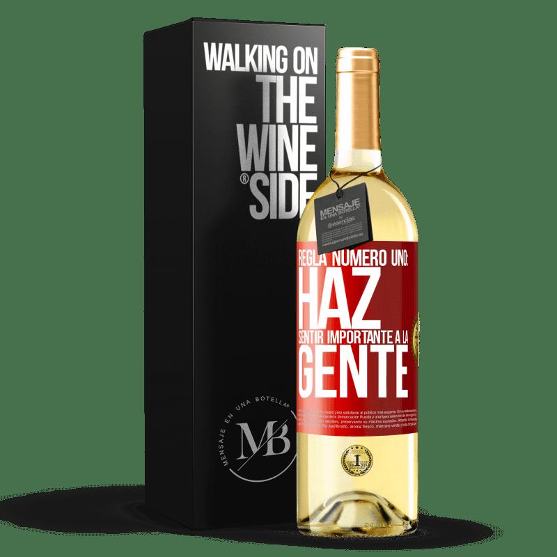 24,95 € Envío gratis | Vino Blanco Edición WHITE Regla número uno: haz sentir importante a la gente Etiqueta Roja. Etiqueta personalizable Vino joven Cosecha 2020 Verdejo