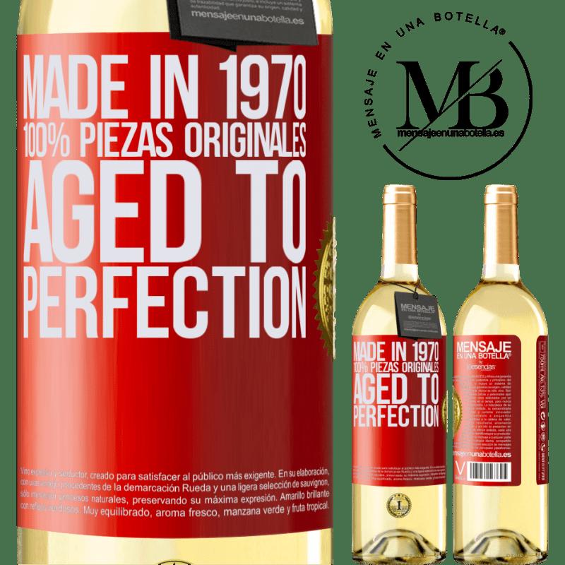 24,95 € Envío gratis | Vino Blanco Edición WHITE Made in 1970, 100% piezas originales. Aged to perfection Etiqueta Roja. Etiqueta personalizable Vino joven Cosecha 2020 Verdejo