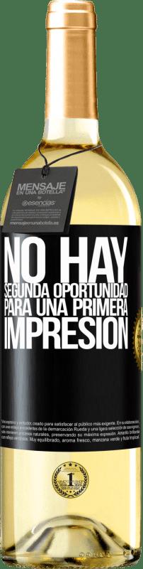 24,95 € Envío gratis | Vino Blanco Edición WHITE No hay una segunda oportunidad para una primera impresión Etiqueta Negra. Etiqueta personalizable Vino joven Cosecha 2020 Verdejo