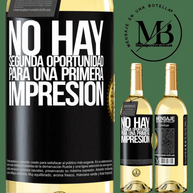 24,95 € Envoi gratuit | Vin blanc Édition WHITE Il n'y a pas de seconde chance pour une première impression Étiquette Noire. Étiquette personnalisable Vin jeune Récolte 2020 Verdejo