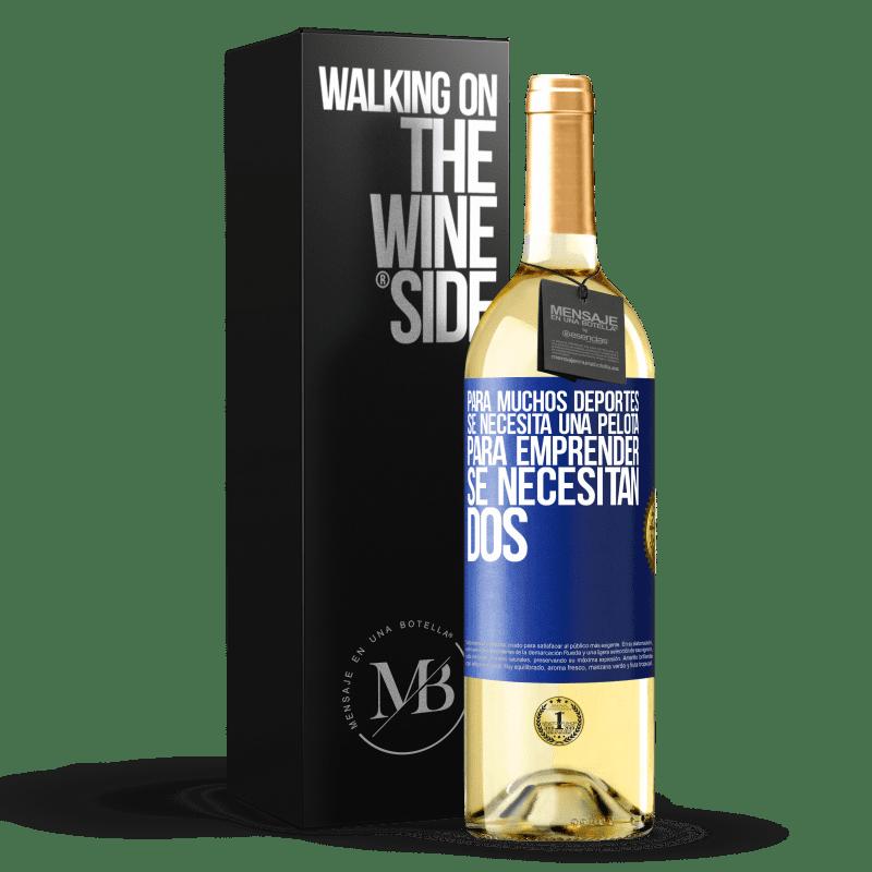 24,95 € Envío gratis | Vino Blanco Edición WHITE Para muchos deportes se necesita una pelota. Para emprender, se necesitan dos Etiqueta Azul. Etiqueta personalizable Vino joven Cosecha 2020 Verdejo