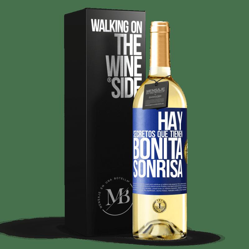 24,95 € Envoi gratuit   Vin blanc Édition WHITE Il y a des secrets qui ont un beau sourire Étiquette Bleue. Étiquette personnalisable Vin jeune Récolte 2020 Verdejo