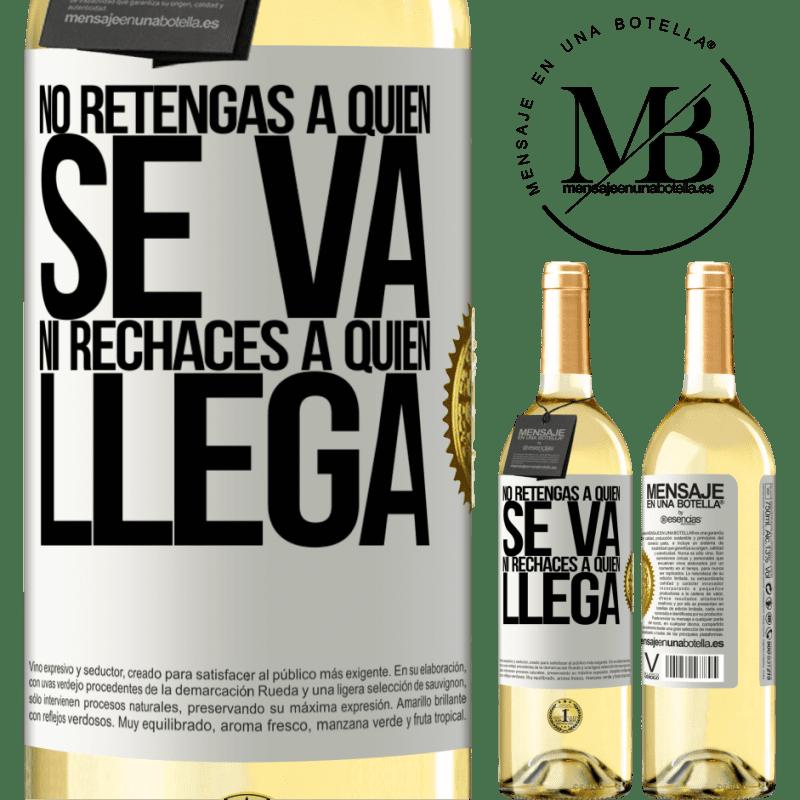 24,95 € Envío gratis | Vino Blanco Edición WHITE No retengas a quien se va, ni rechaces a quien llega Etiqueta Blanca. Etiqueta personalizable Vino joven Cosecha 2020 Verdejo