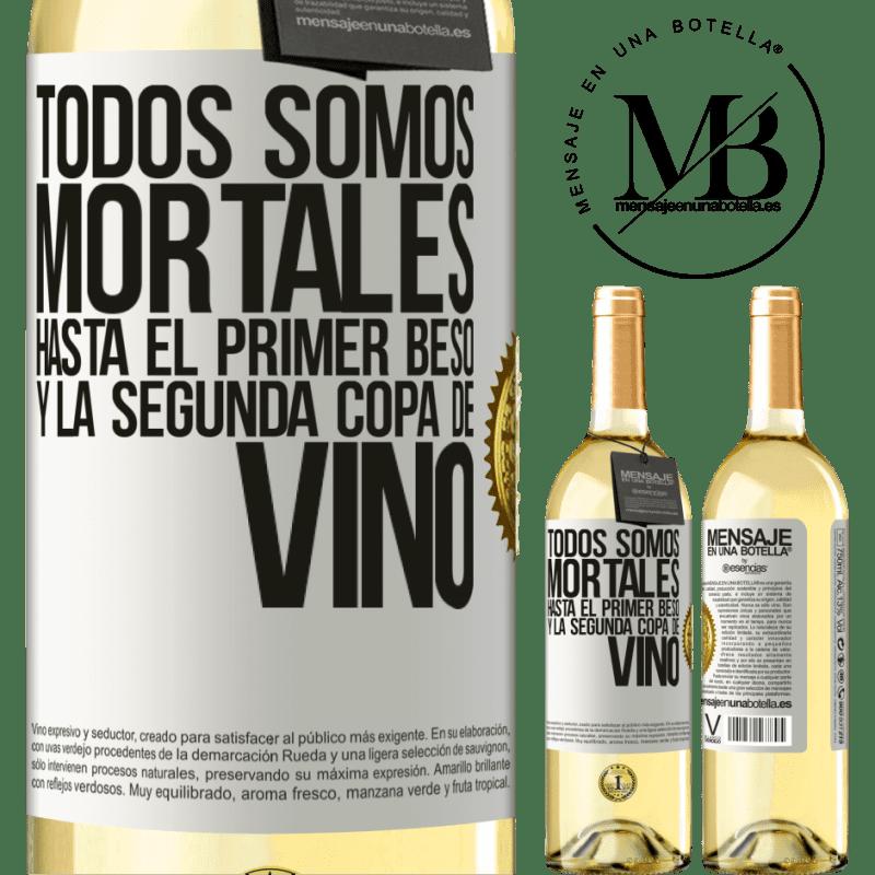 24,95 € Envoi gratuit | Vin blanc Édition WHITE Nous sommes tous mortels jusqu'au premier baiser et au deuxième verre de vin Étiquette Blanche. Étiquette personnalisable Vin jeune Récolte 2020 Verdejo