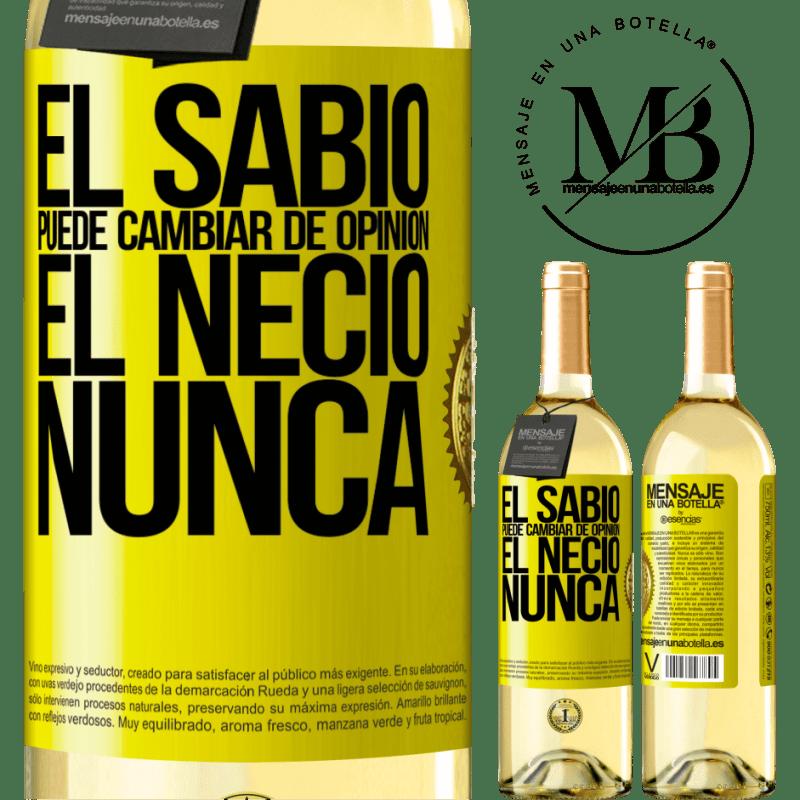 24,95 € Envoi gratuit | Vin blanc Édition WHITE Le sage peut changer d'avis. L'imbécile, jamais Étiquette Jaune. Étiquette personnalisable Vin jeune Récolte 2020 Verdejo