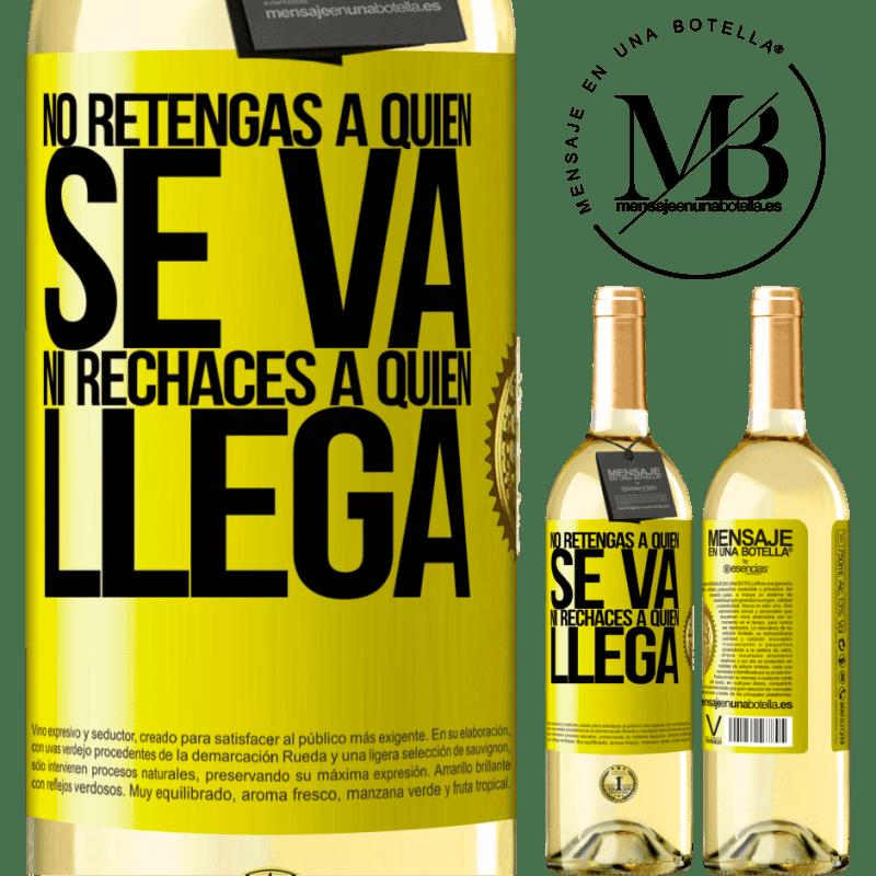 24,95 € Envío gratis | Vino Blanco Edición WHITE No retengas a quien se va, ni rechaces a quien llega Etiqueta Amarilla. Etiqueta personalizable Vino joven Cosecha 2020 Verdejo