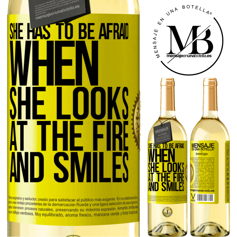 24,95 € Free Shipping   White Wine WHITE Edition She has to be afraid when she looks at the fire and smiles Yellow Label. Customizable label Young wine Harvest 2020 Verdejo