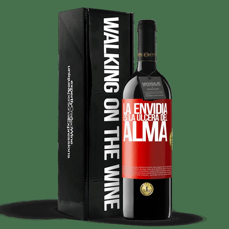 24,95 € Envoi gratuit | Vin rouge Édition RED Crianza 6 Mois L'envie est l'ulcère de l'âme Étiquette Rouge. Étiquette personnalisable Vieillissement en fûts de chêne 6 Mois Récolte 2018 Tempranillo
