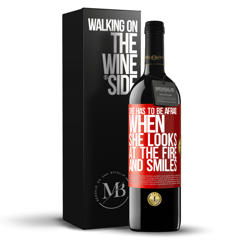 24,95 € Free Shipping | Red Wine RED Edition Crianza 6 Months She has to be afraid when she looks at the fire and smiles Red Label. Customizable label Aging in oak barrels 6 Months Harvest 2018 Tempranillo