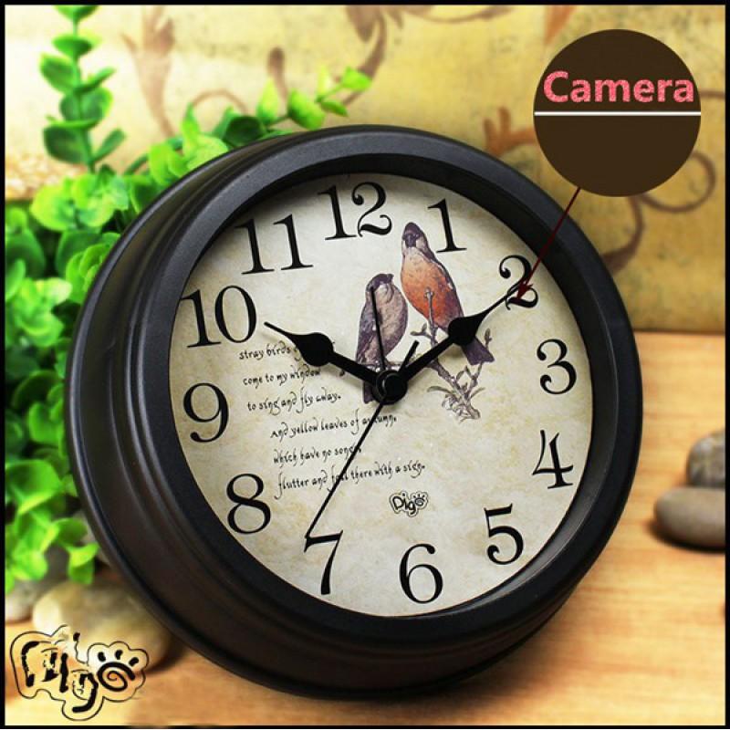 71,95 € Free Shipping | Clock Hidden Cameras Spy clock. Hidden camera. Vintage design. H264/WiFi. Motion detection. Alarm function. Remote wireless camcorder 1080P Full HD