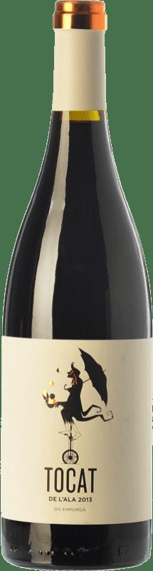 11,95 € Envío gratis | Vino tinto Coca i Fitó Tocat de l'Ala Joven D.O. Empordà Cataluña España Syrah, Garnacha, Cariñena Botella 75 cl
