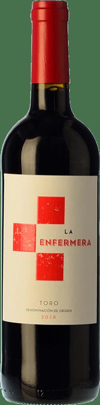 8,95 € Envío gratis | Vino tinto Terra d'Uro La Enfermera de Toro Joven D.O. Toro Castilla y León España Tempranillo Botella 75 cl