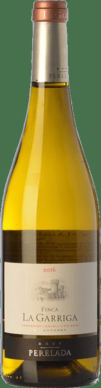 16,95 € Free Shipping | White wine Perelada Finca La Garriga Blanc Crianza D.O. Empordà Catalonia Spain Samsó, Chardonnay Bottle 75 cl