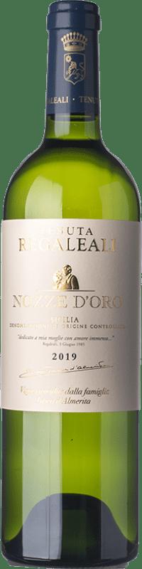 19,95 € 免费送货 | 白酒 Tasca d'Almerita Nozze d'Oro D.O.C. Contea di Sclafani 西西里岛 意大利 Sauvignon, Insolia 瓶子 75 cl