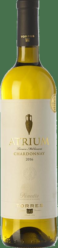 9,95 € 免费送货 | 白酒 Torres Atrium Chardonnay Crianza D.O. Penedès 加泰罗尼亚 西班牙 Chardonnay, Parellada 瓶子 75 cl