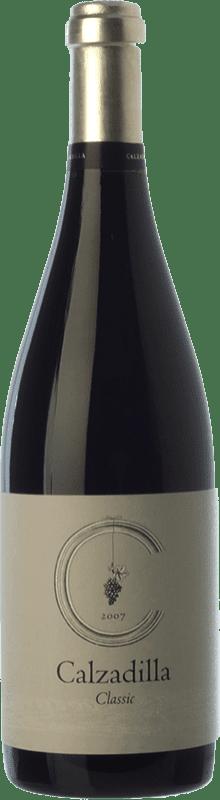 18,95 € Envío gratis | Vino tinto Uribes Madero Classic Crianza D.O.P. Vino de Pago Calzadilla Castilla la Mancha España Tempranillo, Syrah, Garnacha, Cabernet Sauvignon Botella 75 cl